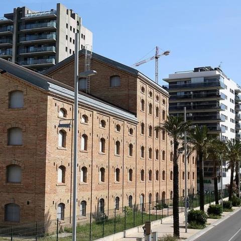 """Visita guiada a l'exposició """"Metròpolis de ciutats: repensar l'urbanisme metropolità"""""""